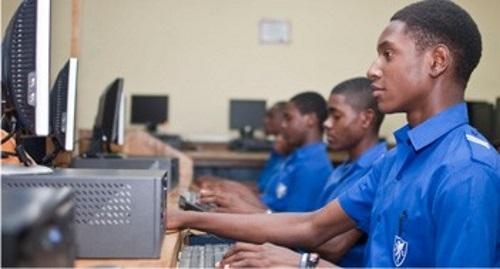 Jamaica College computer lab